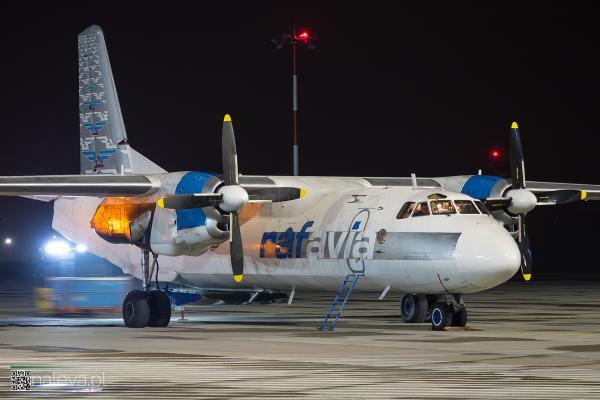 antonov-lodz-airport-naleva-lcj (1)