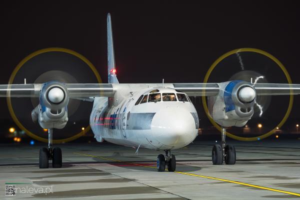 antonov-lodz-airport-naleva-lcj (7)