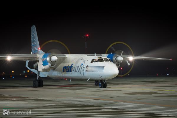 antonov-lodz-airport-naleva-lcj (9)